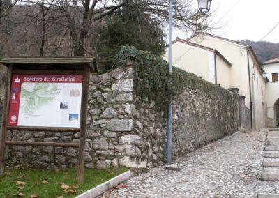 la scalinata di pietra